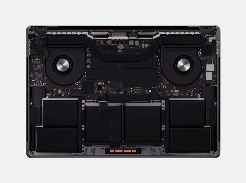 """MacBook Pro 16"""" от вътре"""
